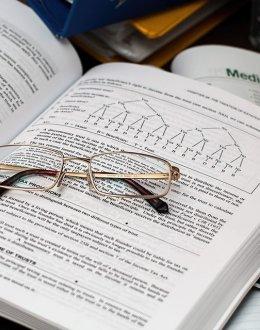 Déduction fiscale sur succession et pension PMI du conjoint survivant : des questions demeurent